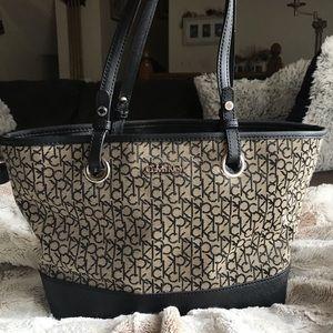 💕🌸CALVIN KLEIN Black & Grey Bag Signature CK🌸💕
